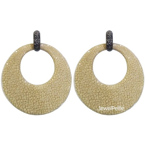 EA0273 stingray earring white coffee